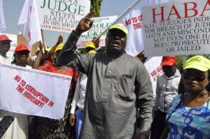 judges-protest