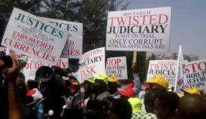 judges-protest1
