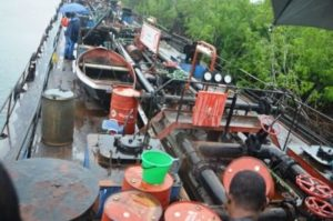illegal-oil-vessel