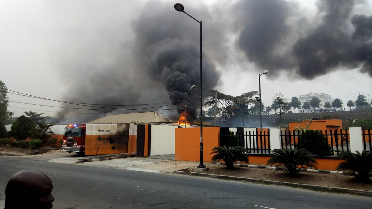 Photos From The Gas Fire Outbreak In Magodo, Lagos State
